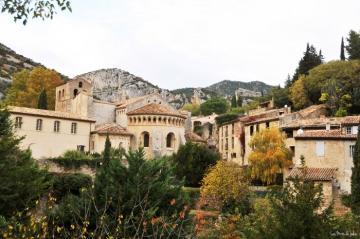 Village-saint-guilhem-le-désert