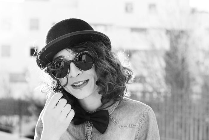 portrait-noir-blanc-Melanie-contre-jour
